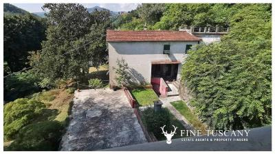 Period-Villa-with-Outbuilding-for-sale-in-Bagni-di-Lucca--Tuscany--Italy-13