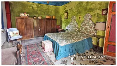 Period-Villa-with-Outbuilding-for-sale-in-Bagni-di-Lucca--Tuscany--Italy-17