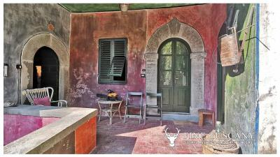 Period-Villa-with-Outbuilding-for-sale-in-Bagni-di-Lucca--Tuscany--Italy-16