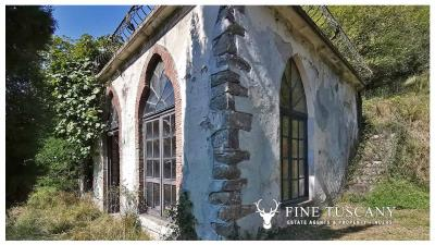 Period-Villa-with-Outbuilding-for-sale-in-Bagni-di-Lucca--Tuscany--Italy-22