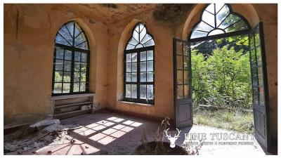 Period-Villa-with-Outbuilding-for-sale-in-Bagni-di-Lucca--Tuscany--Italy-23