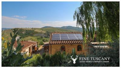 Fully-detached-stone-house-for-sale-in-Volterra-Pisa-Tuscany-Italy-3