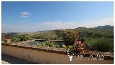 Fully-detached-stone-house-for-sale-in-Volterra-Pisa-Tuscany-Italy-4