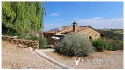 Fully-detached-stone-house-for-sale-in-Volterra-Pisa-Tuscany-Italy-13