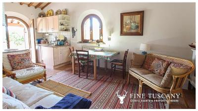 Fully-detached-stone-house-for-sale-in-Volterra-Pisa-Tuscany-Italy-15