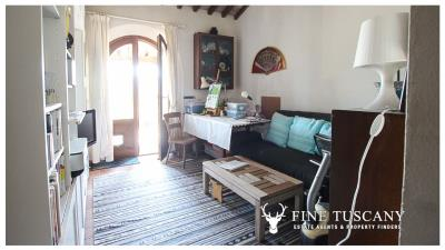 Fully-detached-stone-house-for-sale-in-Volterra-Pisa-Tuscany-Italy-20