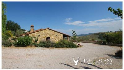 Fully-detached-stone-house-for-sale-in-Volterra-Pisa-Tuscany-Italy-28