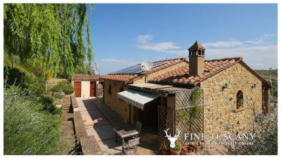 Fully-detached-stone-house-for-sale-in-Volterra-Pisa-Tuscany-Italy-29