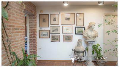 Architectural-Villa-for-sale-in-Pisa-Tuscany-Italy---Gae-Aulenti---1