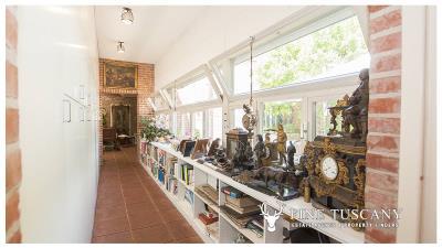 Architectural-Villa-for-sale-in-Pisa-Tuscany-Italy---Gae-Aulenti---49