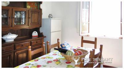 Period-villa-for-sale-in-Palaia-Pisa-Tuscany-3