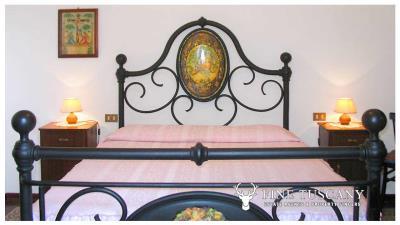 Period-villa-for-sale-in-Palaia-Pisa-Tuscany-12