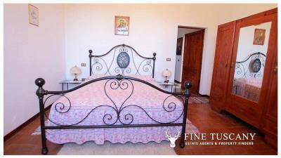 Period-villa-for-sale-in-Palaia-Pisa-Tuscany-18