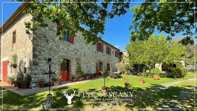 Stone-Farmhouse-with-land-for-sale-between-Siena-and-Grosseto-Tuscany-Italy