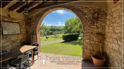 Stone-Farmhouse-with-land-for-sale-between-Siena-and-Grosseto-Tuscany-Italy-8