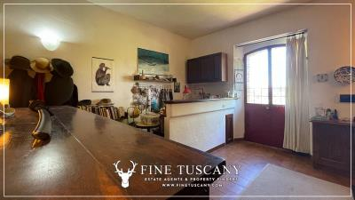 Stone-Farmhouse-with-land-for-sale-between-Siena-and-Grosseto-Tuscany-Italy-46