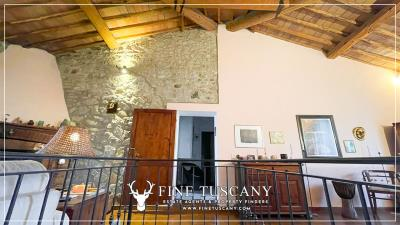 Stone-Farmhouse-with-land-for-sale-between-Siena-and-Grosseto-Tuscany-Italy-50