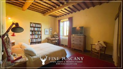 Stone-Farmhouse-with-land-for-sale-between-Siena-and-Grosseto-Tuscany-Italy-58