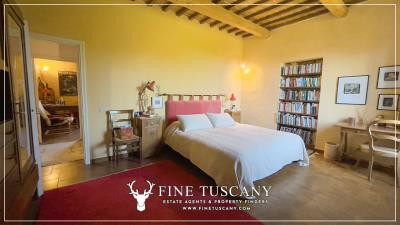 Stone-Farmhouse-with-land-for-sale-between-Siena-and-Grosseto-Tuscany-Italy-59