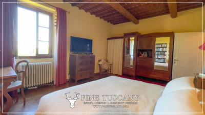 Stone-Farmhouse-with-land-for-sale-between-Siena-and-Grosseto-Tuscany-Italy-60