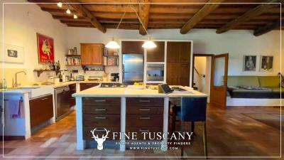 Stone-Farmhouse-with-land-for-sale-between-Siena-and-Grosseto-Tuscany-Italy-68