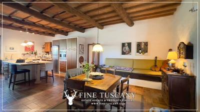 Stone-Farmhouse-with-land-for-sale-between-Siena-and-Grosseto-Tuscany-Italy-70