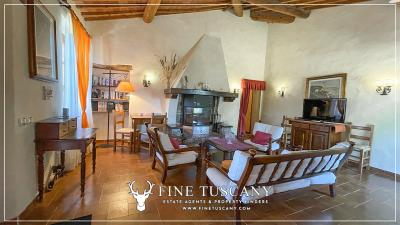 Stone-Farmhouse-with-land-for-sale-between-Siena-and-Grosseto-Tuscany-Italy-82