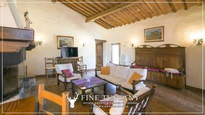 Stone-Farmhouse-with-land-for-sale-between-Siena-and-Grosseto-Tuscany-Italy-84
