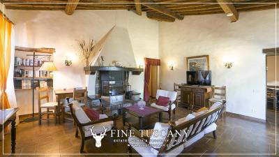 Stone-Farmhouse-with-land-for-sale-between-Siena-and-Grosseto-Tuscany-Italy-83