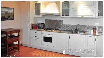 2-Bedroom-Apartment-for-sale-in-Orciatico-Lajatico-Tuscany-Italy-5
