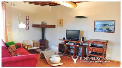 2-Bedroom-Apartment-for-sale-in-Orciatico-Lajatico-Tuscany-Italy-6