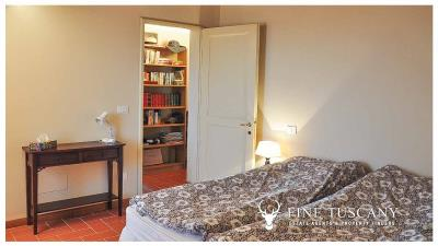 2-Bedroom-Apartment-for-sale-in-Orciatico-Lajatico-Tuscany-Italy-14