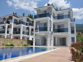 Image No.0-Maison / Villa de 4 chambres à vendre à Ovacik