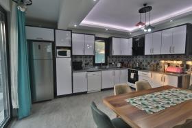 Image No.13-Villa de 4 chambres à vendre à Ciftlik