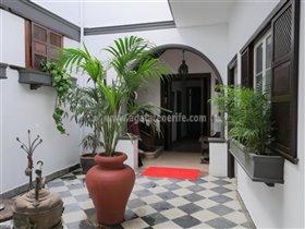 Image No.0-Propriété de 6 chambres à vendre à La Orotava