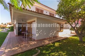 Image No.12-5 Bed Property for sale
