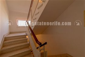 Image No.15-5 Bed Property for sale