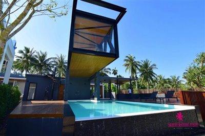 Samui-Grand-Park-Villas-For-Sale-Commmunal-Pool