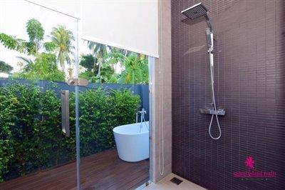 Samui-Grand-Park-Villas-For-Sale-Master-Shower