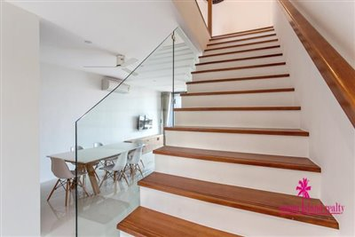 Choeng-Mon-2-Bedroom-Townhouses-Samui-Stairs