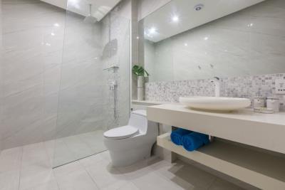 Samui-Oasis-Development-Villa-Bijou-Shower