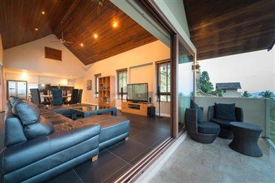 Chaweng-5-Bedroom-Villa-For-Sale-Koh-Samui-Living-Balcony