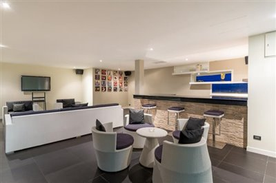 Chaweng-5-Bedroom-Villa-For-Sale-Koh-Samui-Lounge