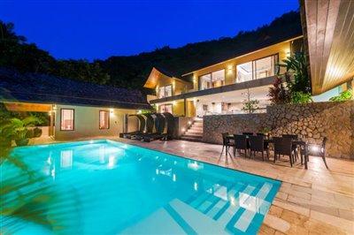 Chaweng-5-Bedroom-Villa-For-Sale-Koh-Samui-Pool-Night