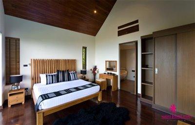 chaweng-5-bedroom-villa-for-sale-koh-samui-bedroom