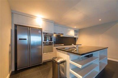 Chaweng-5-Bedroom-Villa-For-Sale-Koh-Samui-Kitchen