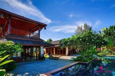 Lipa-noi-beachfront-villa-for-sale-samui-exterior-front