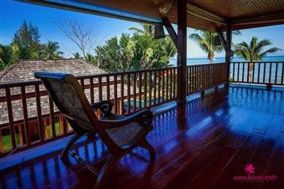 Lipa-noi-beachfront-villa-for-sale-samui-upper-floor