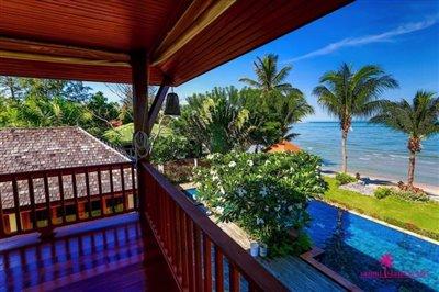 Lipa-noi-beachfront-villa-for-sale-samui-view