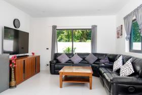 Image No.5-Villa de 4 chambres à vendre à Maenam